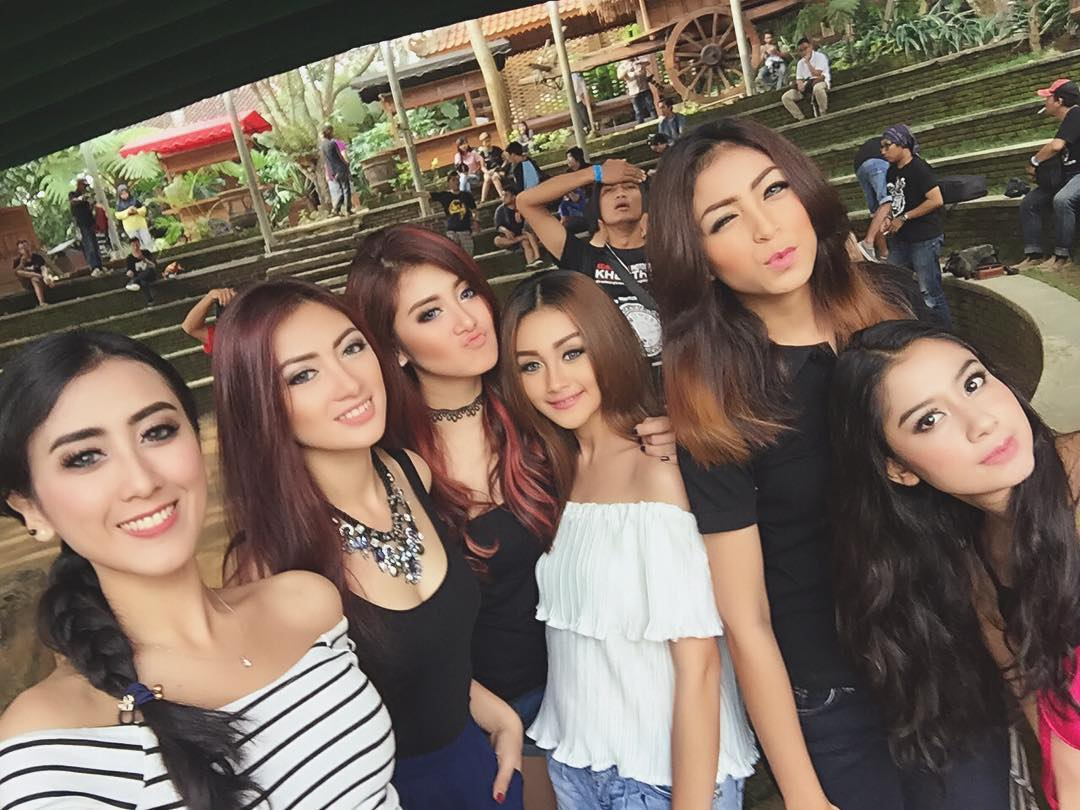 25 Tips on Dating Indonesian Women as a Non-Muslim - Global Seducer