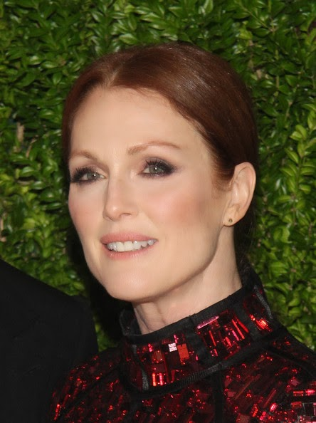 Hairstyle Photo Julianne Moore Ponytail Hairstyle Picture