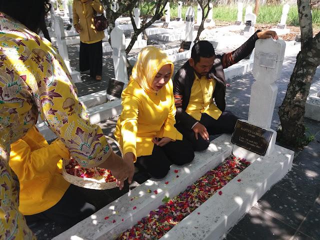 HUT Golkar Ke 53 : Menggelar Karawang Bersholawat