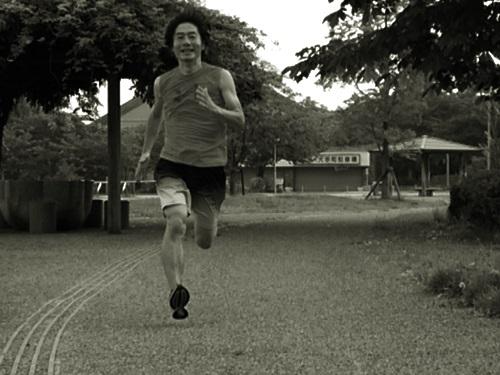 走り終えた快感のほうが、あと1時間ふとんでグダグダする快感より上