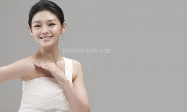 Artis China Tercantik Barbie Hsu
