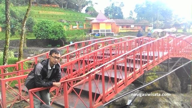 jembatan merah obyek wisata baturraden