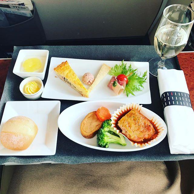 2018年4月下旬:JL518(JAL518) 札幌=東京・羽田 国内線ファーストクラスの機内食内容(夕食)