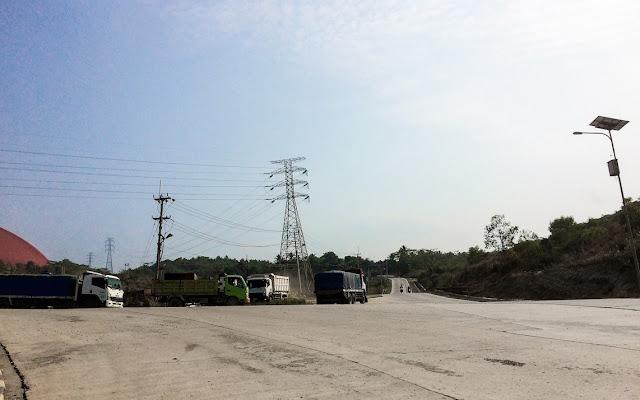 pabrik di sekitar sawarna