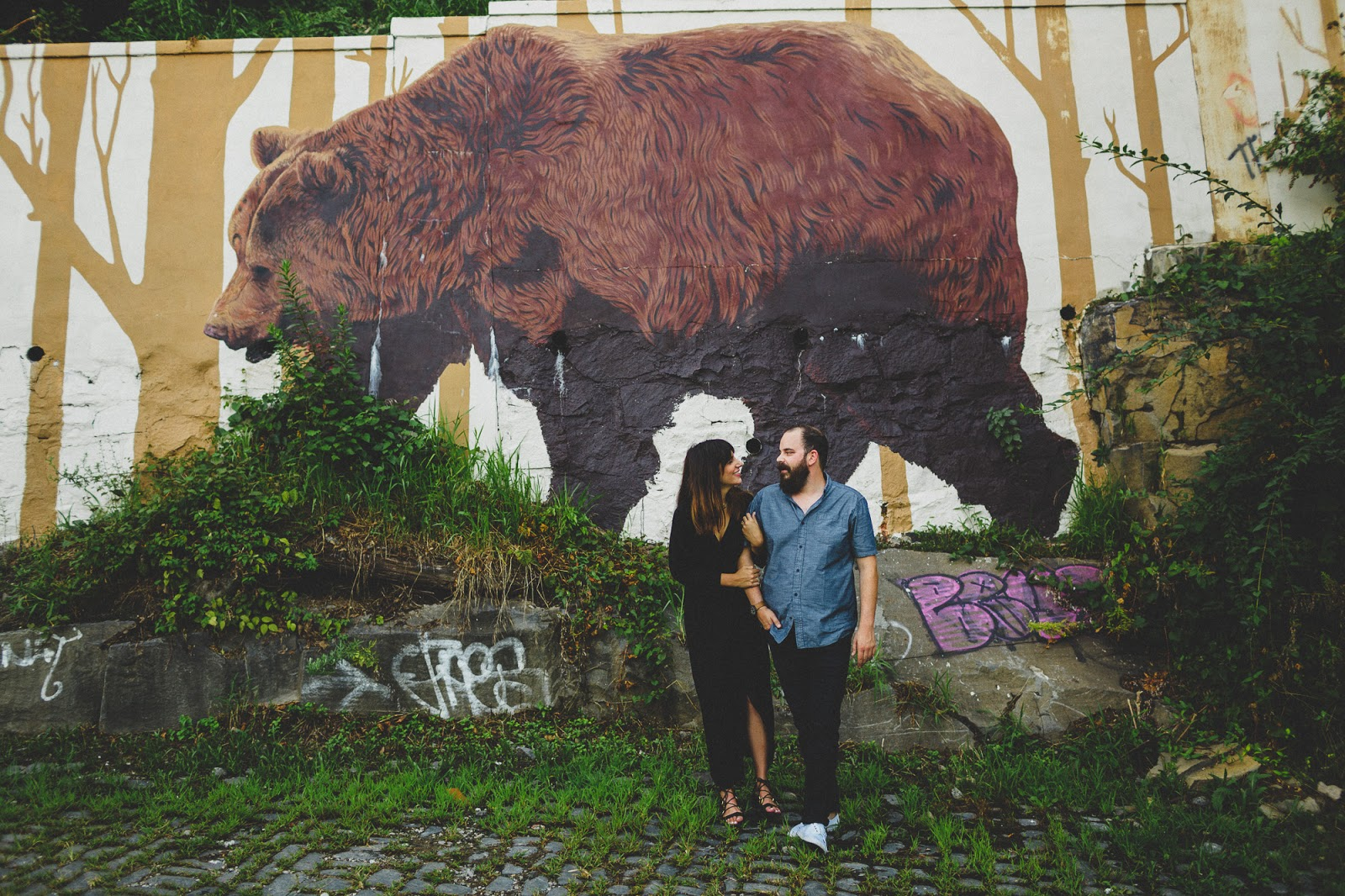 Jersey City Heights engagement photos with bear mural | blog.cassiecastellaw.com