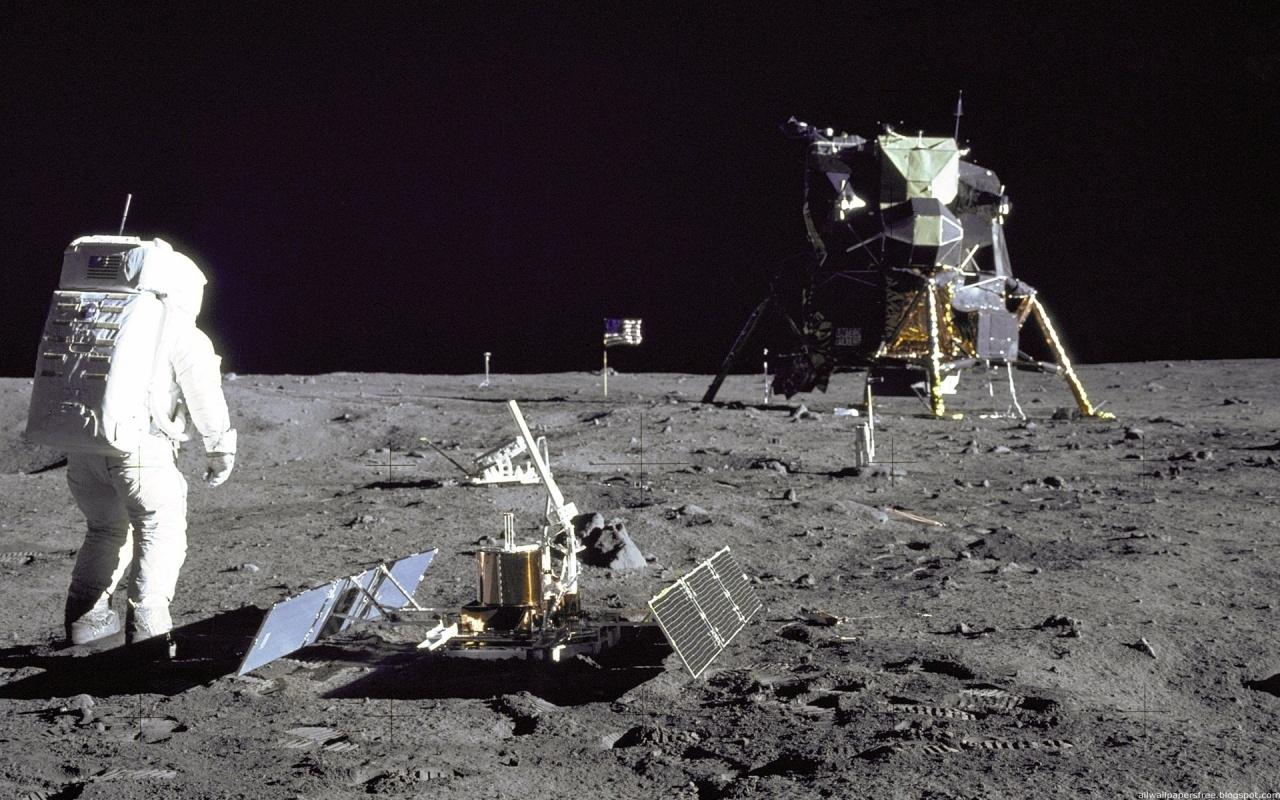 Resultado de imagen para 1969 el hombre se posa sobre la luna