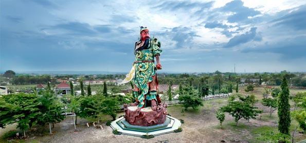 Patung Dewa Perang Cina Berdiri di Tuban, Guru Besar UI: Awas! Sebentar Lagi Pangkalan AL Cina!