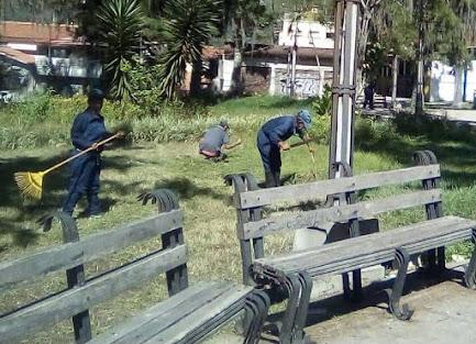 Cormetur inició mantenimiento de plazas y parques en Mérida