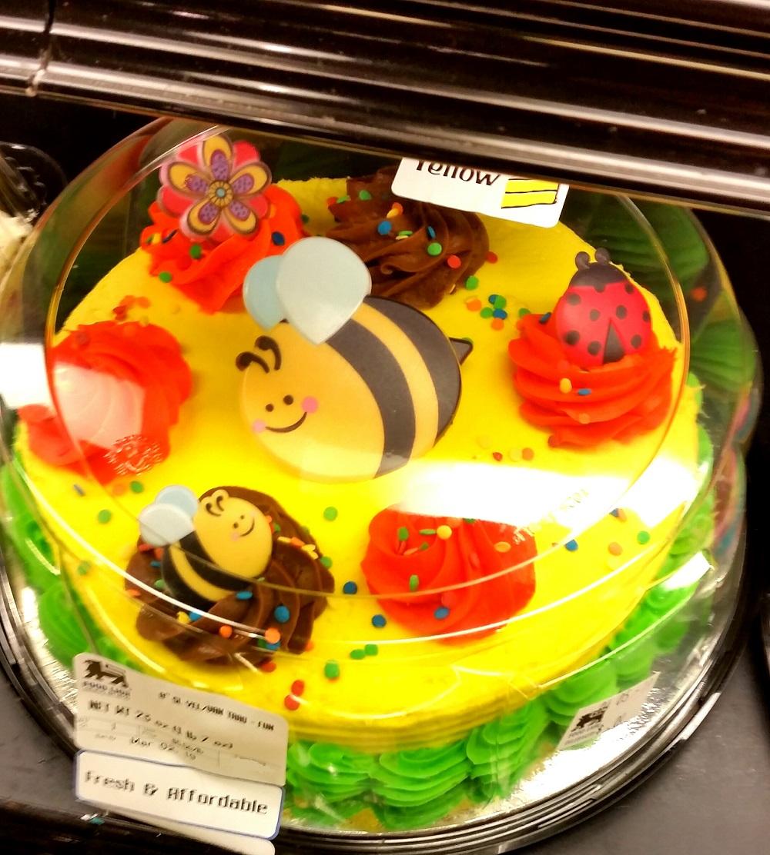 Neko Random: Photo: Bee Cake at Food Lion