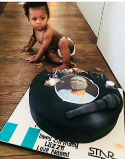 Wizkid's son destroys the cake Naomi Campbell gave Wizkid on his birthday