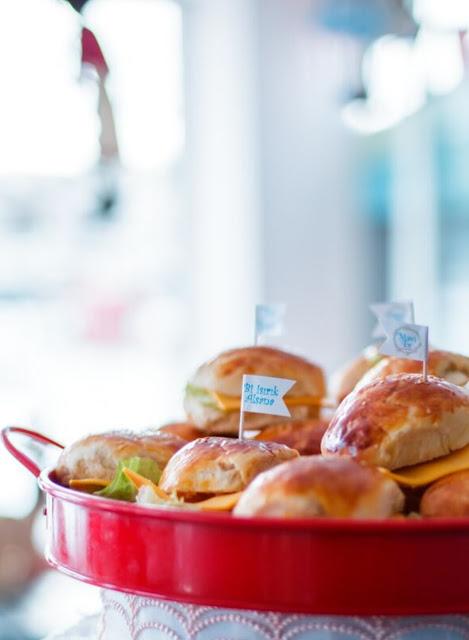 Buralı Olmayanlar Lokali-Mavi Ev Cafe