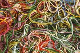 tkaniny do haftu, igły, nici - przybornik