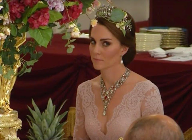 Kate Middleton wears daring Marchesa gown for state banquet