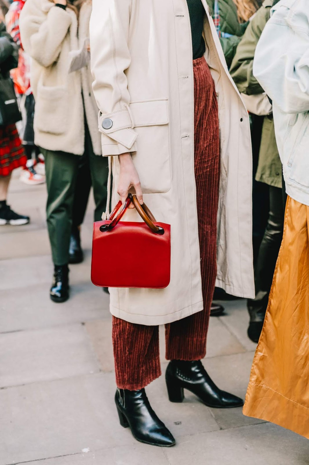 These Corduroy Pants Bring Any Look to the Next Level — Street Style Winter Outfit Inspiration
