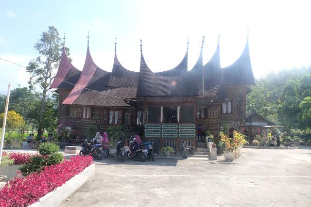istana raja balun