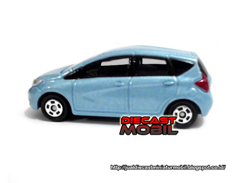 Nissan Livina Note Blue