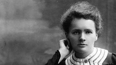 أول أمراة حصلت علي جائزة نوبل وكانت في الفيزياء  ماري كوري