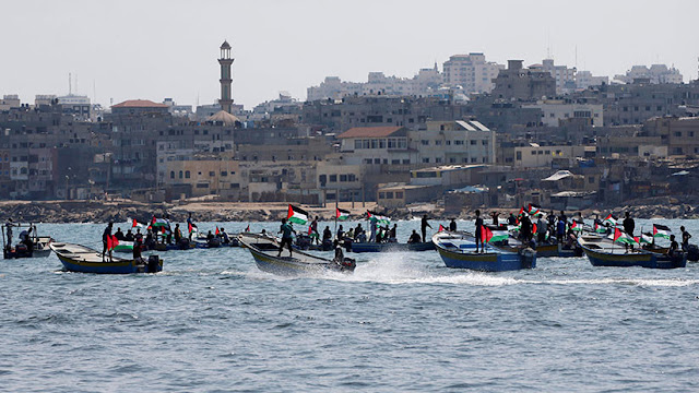 Fuerzas navales israelíes capturan una flotilla que zarpó de la Franja de Gaza
