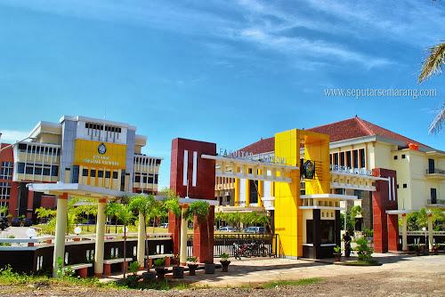 Foto Kampus Fakultas Ekonomi UNDIP Semarang