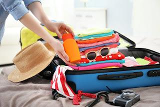 Faire sa valise pour prendre l'avion : Les vêtements indispensables
