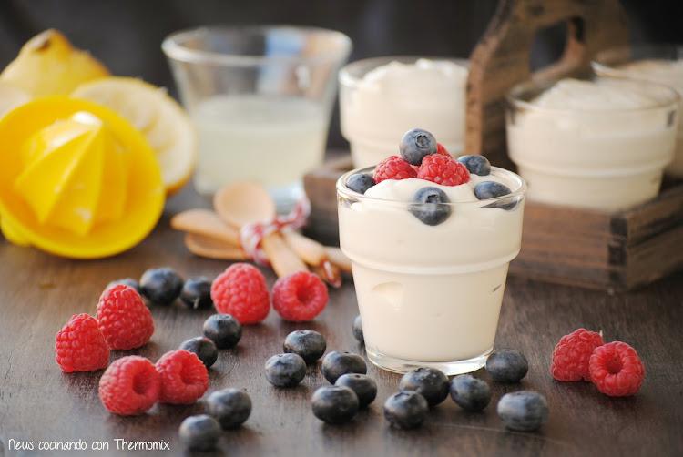 Mousse express de limón con leche condensada