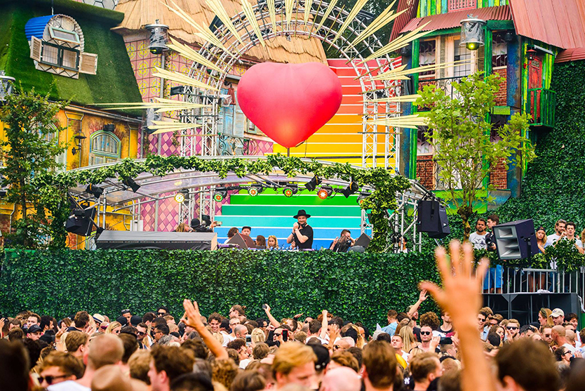 welcome the the future, wttf, house, edm, techno, festival, festivals, festivalblogger, muziekblogger, festivalvlogger, festivalinfluencer, La Vie Fleurit