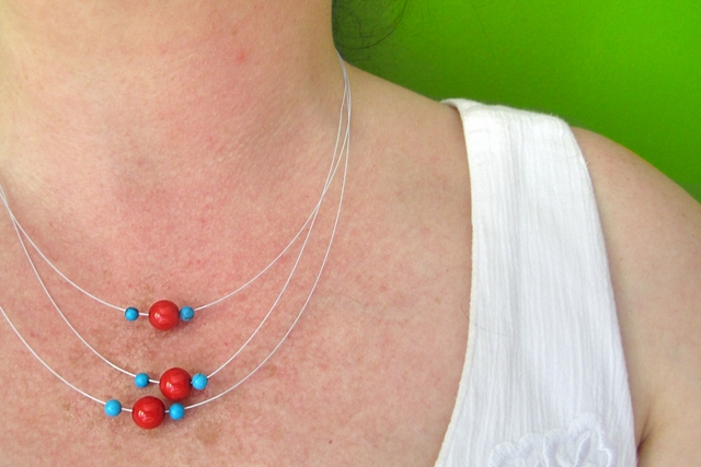 free necklace tutorial / Gratis tutorial voor een halsketting met 3 draden