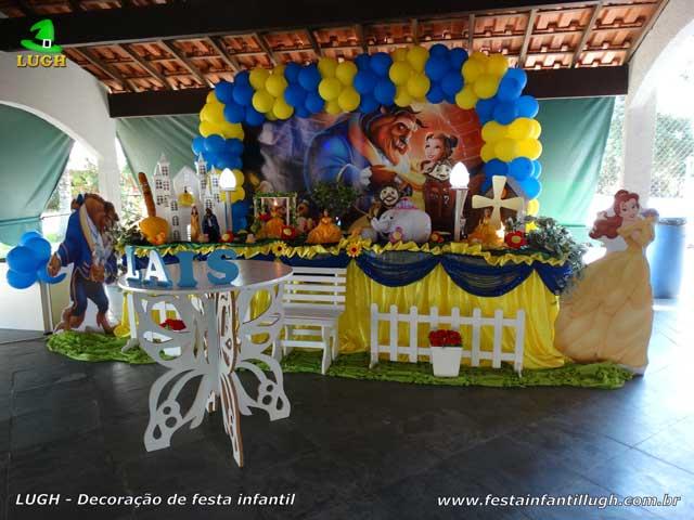 Decoração tema A Bela e a Fera, mesa luxo de tecido