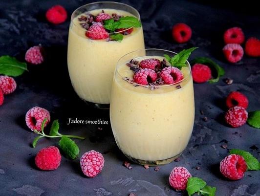 https://zielonekoktajle.blogspot.com/2019/01/banan-ananas-sok-jabkowy-maca.html