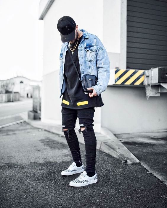 Model Ripped Jeans Dan Jaket Denim