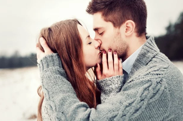 If He Does These 10 Things, He Is Completely In Love With You!