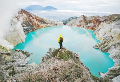 Eksotisme api biru serta view yang Instagramworthy - Kawah Ijen