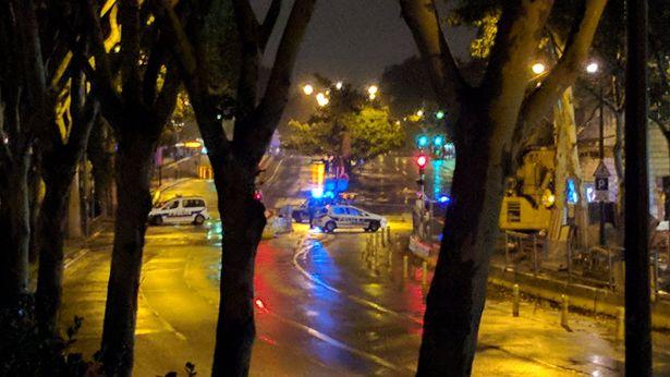Νύχτα τρόμου στο Παρίσι: Εκκενώθηκε ο πύργος του Αϊφελ (βίντεο)