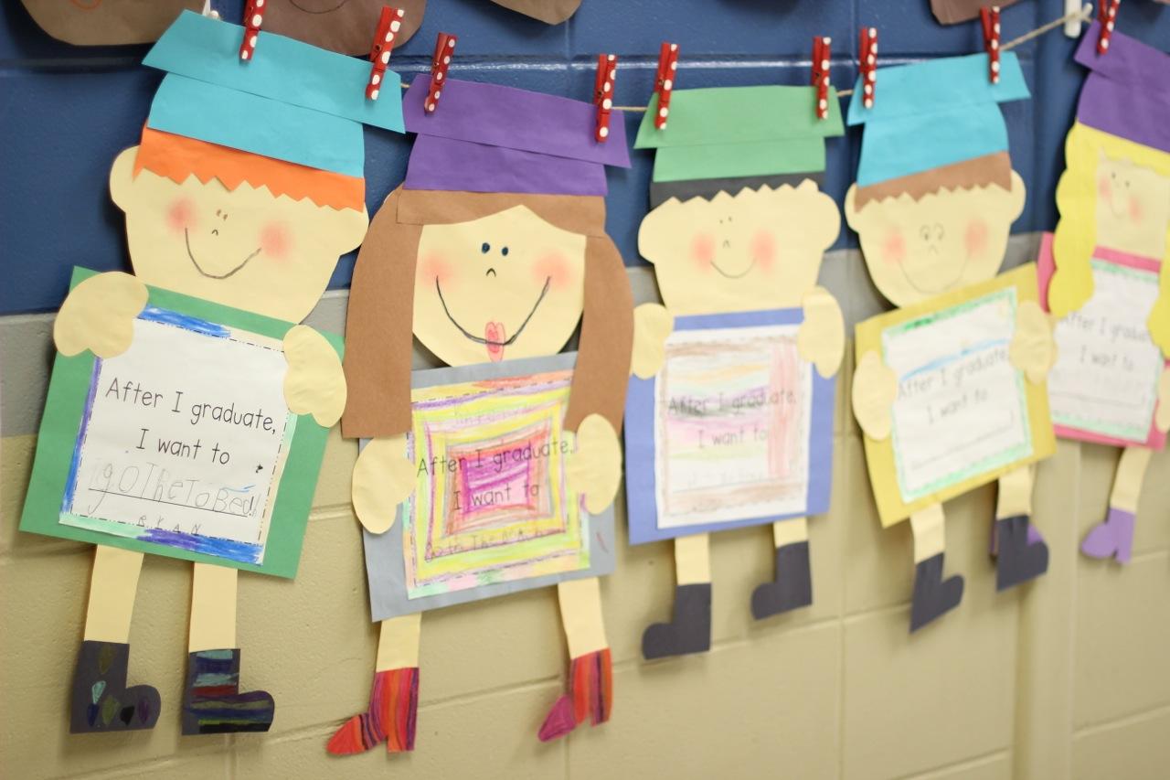 Graduation Kid Craft and Kindergarten Freebies - First Grade
