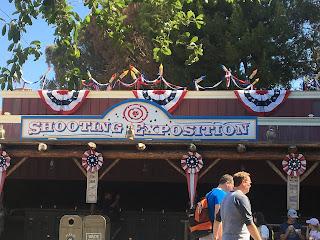 Frontierland Shooting Exposition Disneyland