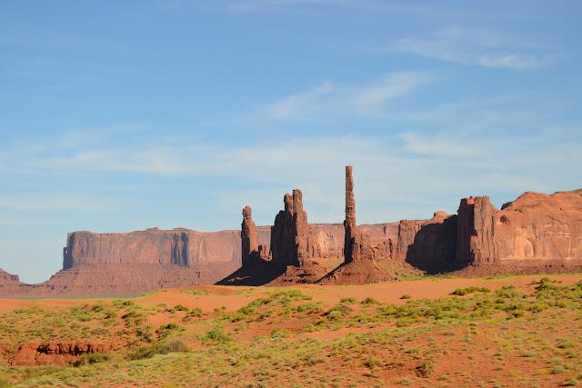 Тотемный столб. Долина монументов, Аризона (Totem Pole. Monument Valley, AZ)