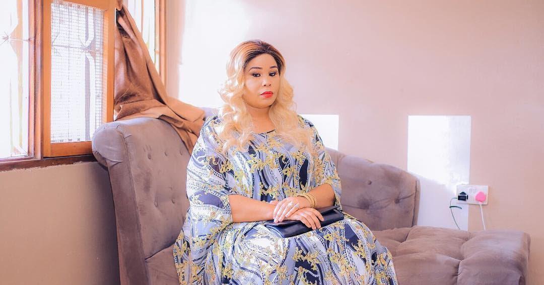 Mama Mobeto Aoga Mvua ya Matusi Mitandaoni Ageuka Mbogo