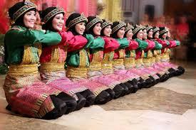 Tari ialah salah satu jenis gerak selain senam Materi Sekolah |  Macam-Macam Tari Berpasangan Di Indonesia