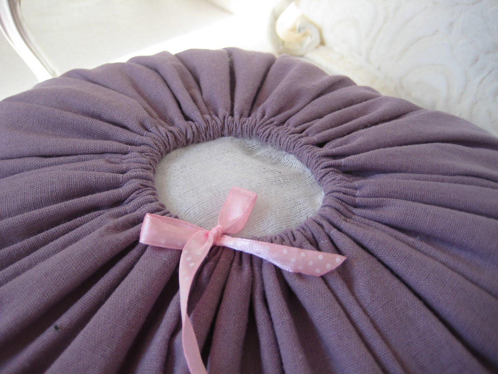 Как сшить круглую подушку с фото 119