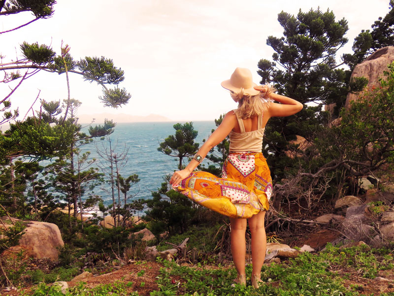 boho travel outfit print skirt hat
