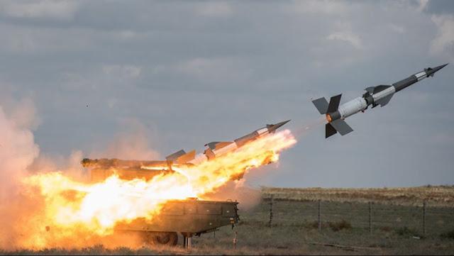 الدفاعات الجوية السورية تسقط عدد من الصواريخ المعادية في ريف دمشق -فيديو
