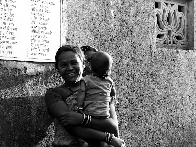 Getting comfortable with that camera ...and people | Adgaon, Maharashtra - India