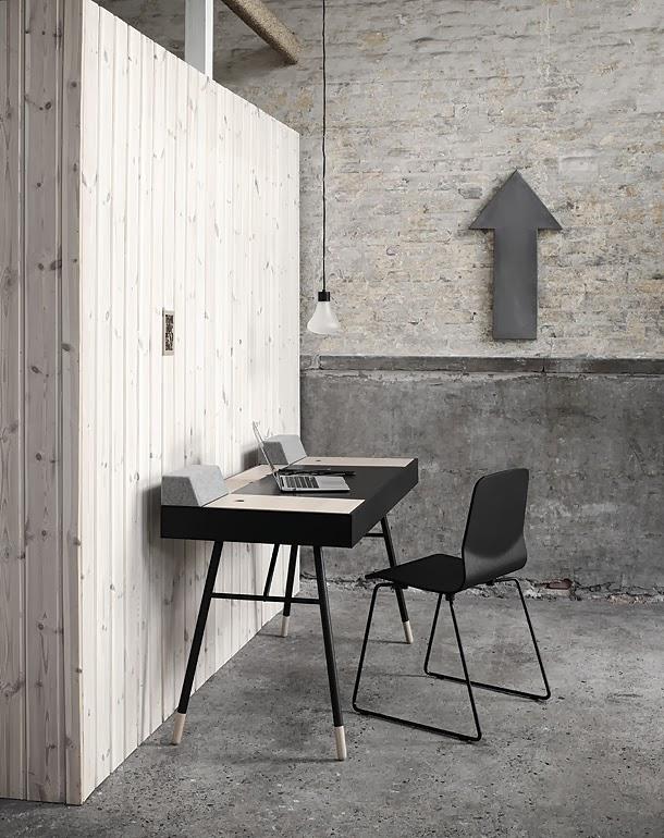 marzua escritorio con altavoces integrados de la firma. Black Bedroom Furniture Sets. Home Design Ideas