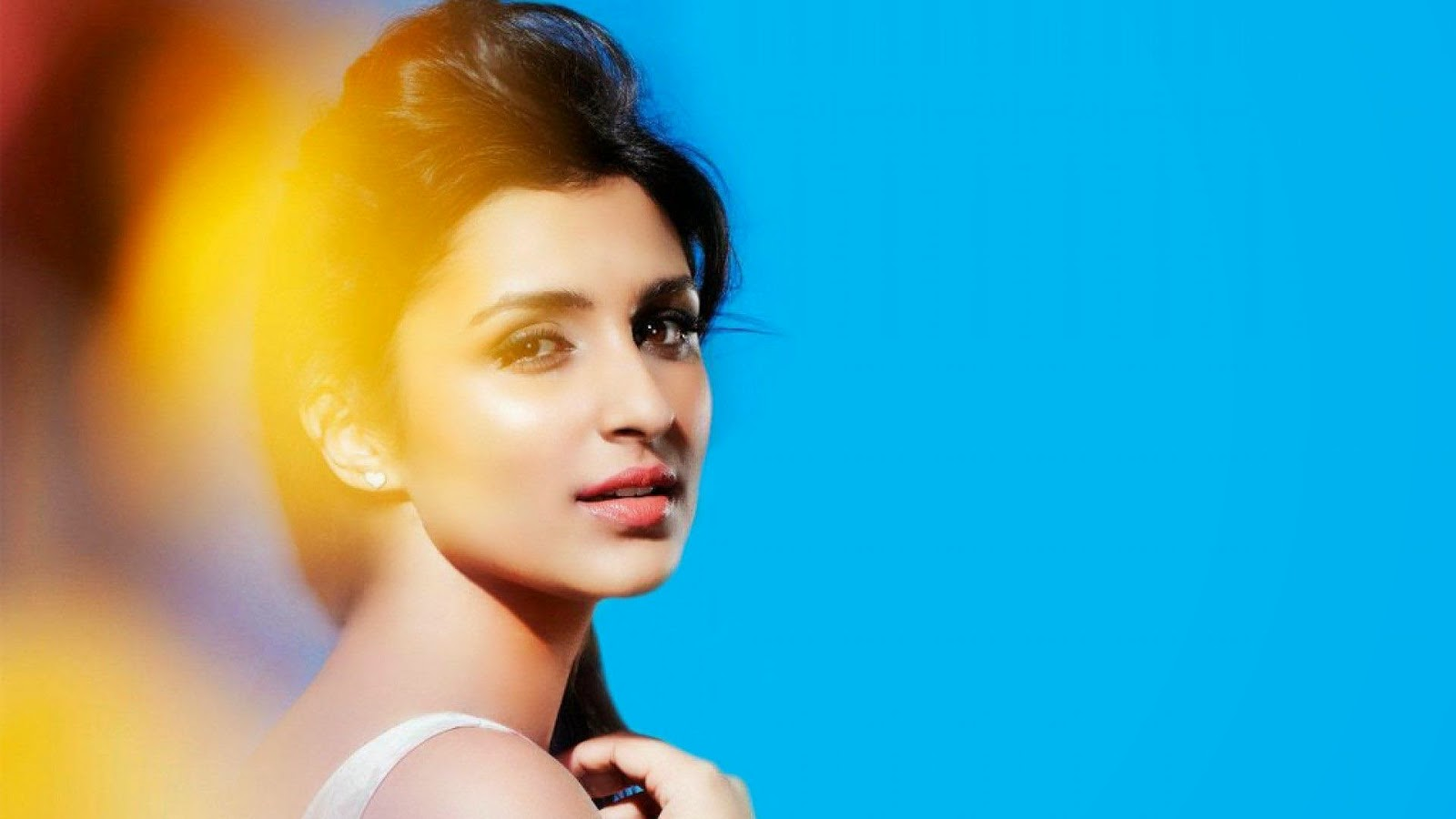 Bollywood actress wallpaper download best hd wallpaper - Indian actress wallpaper download ...
