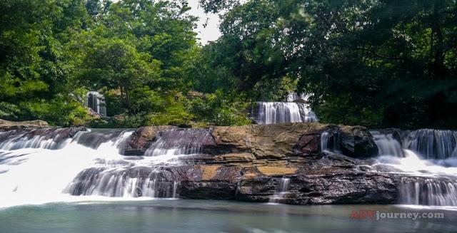 Destinasi wisata ait terjun tingkat tiga Curug Dengdeng