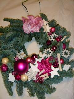 b7f16714a Creating with Love: Vianočné vence na dvere.