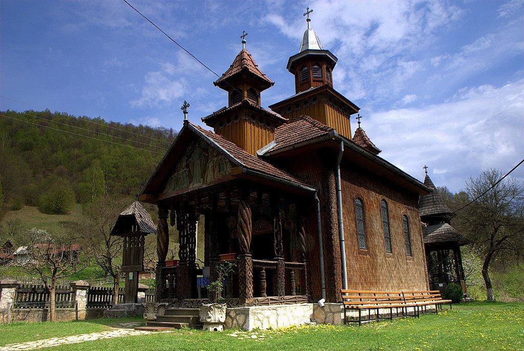 Romania Megalitica: Enigmatica Romanie  Un alt portal plin de