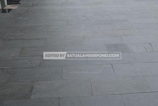 pemasangan batu andesit untuk lantai di tangerang alam sutra bsd bintaro gading serpong