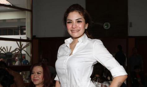 Pose Hot di Playboy, Nikita Mirzani Tak Malu Dihujat, Bayarannya Mahal