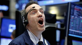 S&P 500 posts first 8-day winning streak since 2013; Dow jumps 113 points